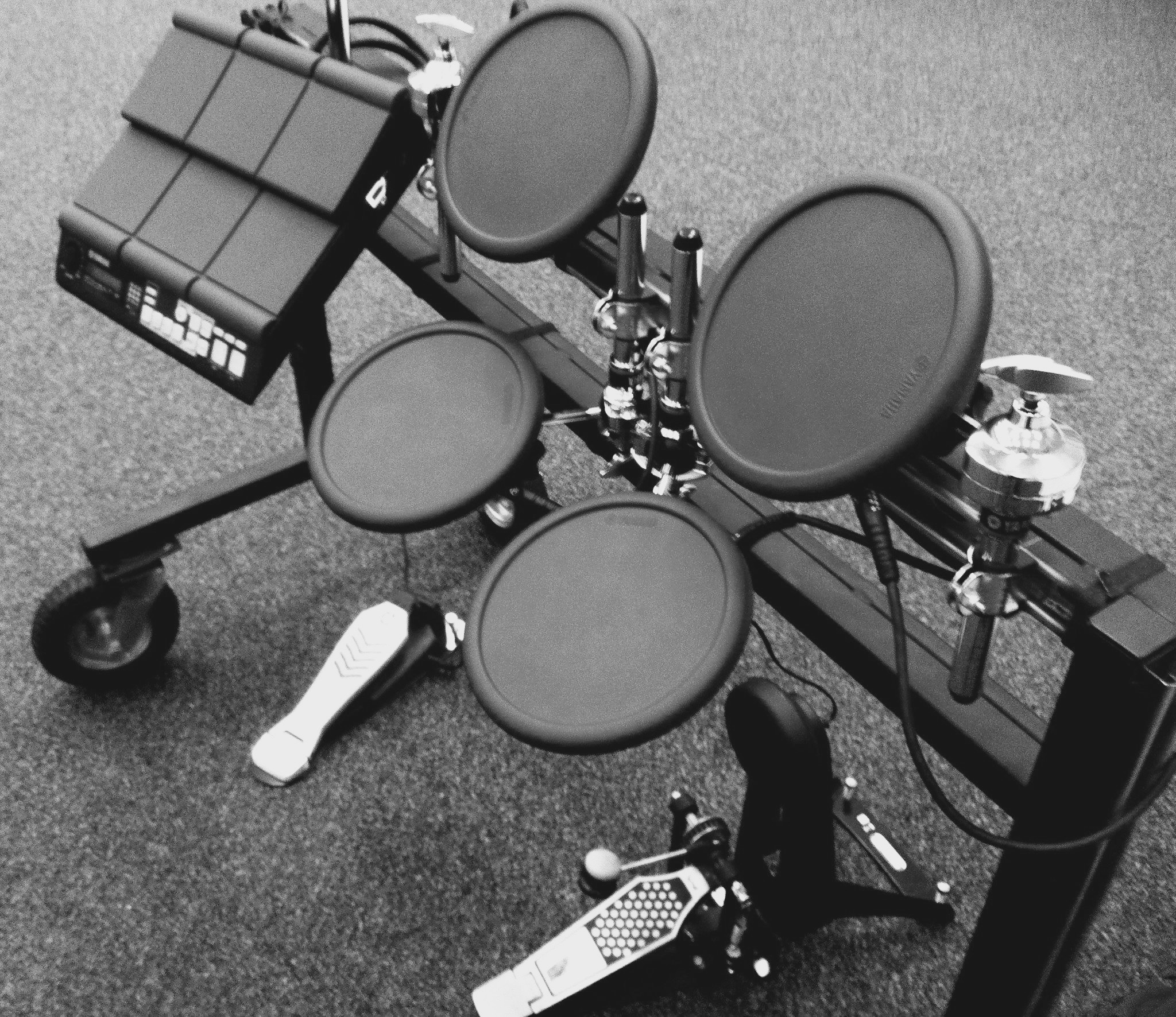 electronic-drums-cart-4